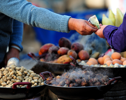 El precio de productos básicos incide en conflictos sociales
