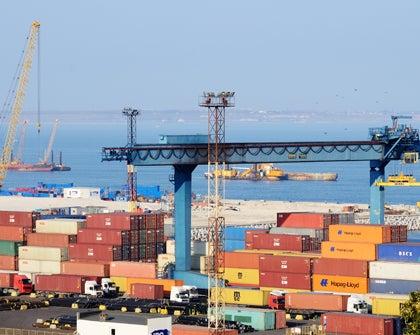 Bolivia y Perú estudian compartir un puerto para comercio exterior