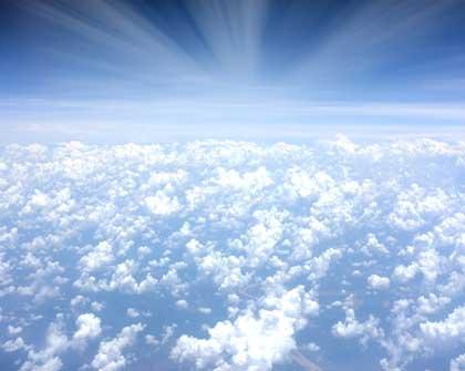 Ecuador firma un decreto de Cielos Abiertos para liberalización del transporte aéreo